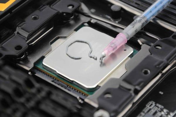 Cum se aplica pasta termoconductoare pe procesor si recomandari
